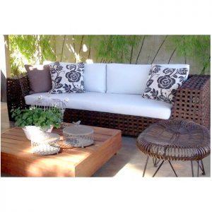 sofá Bilac em aluminio com trama em fibra sintética e tecidos nauticos para area externa