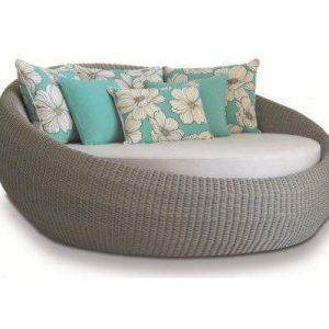 Chaise com estrutura em alumínio, trama em fibra sintética cordão e tecidos especiais