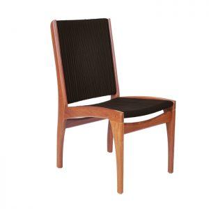cadeira para area externa em corda nautica e madeira cumaru