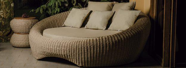 chaise Bari com estrutura em aluminio, pintura eletrostatica e trama em corda nautica ecom tecidos especiais para area externa