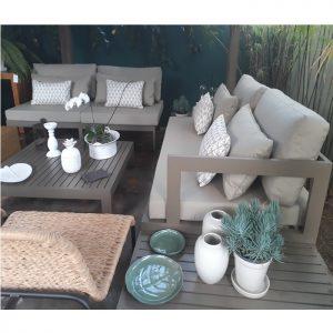 sofá em aluminio e tecidos nauticos especiais para areas externas