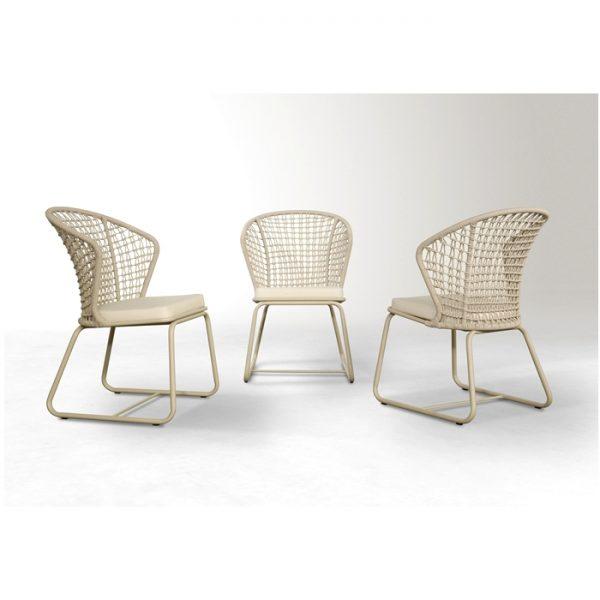 cadeira com encosto alto em aluminio e fibra sintetica