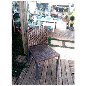 cadeira para area externa com trama em especial em fibra sintetica para area externa