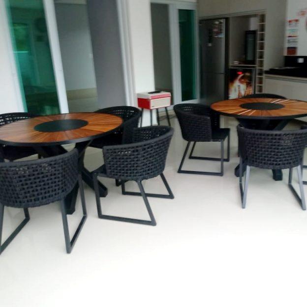 Mesas e cadeiras para area externa